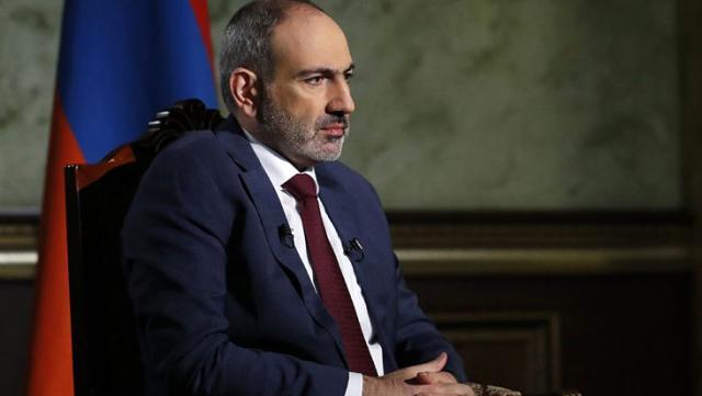 Paşinyan, Karabağ yenilgisi üzerine istifasını isteyen Rusya'ya sert çıktı